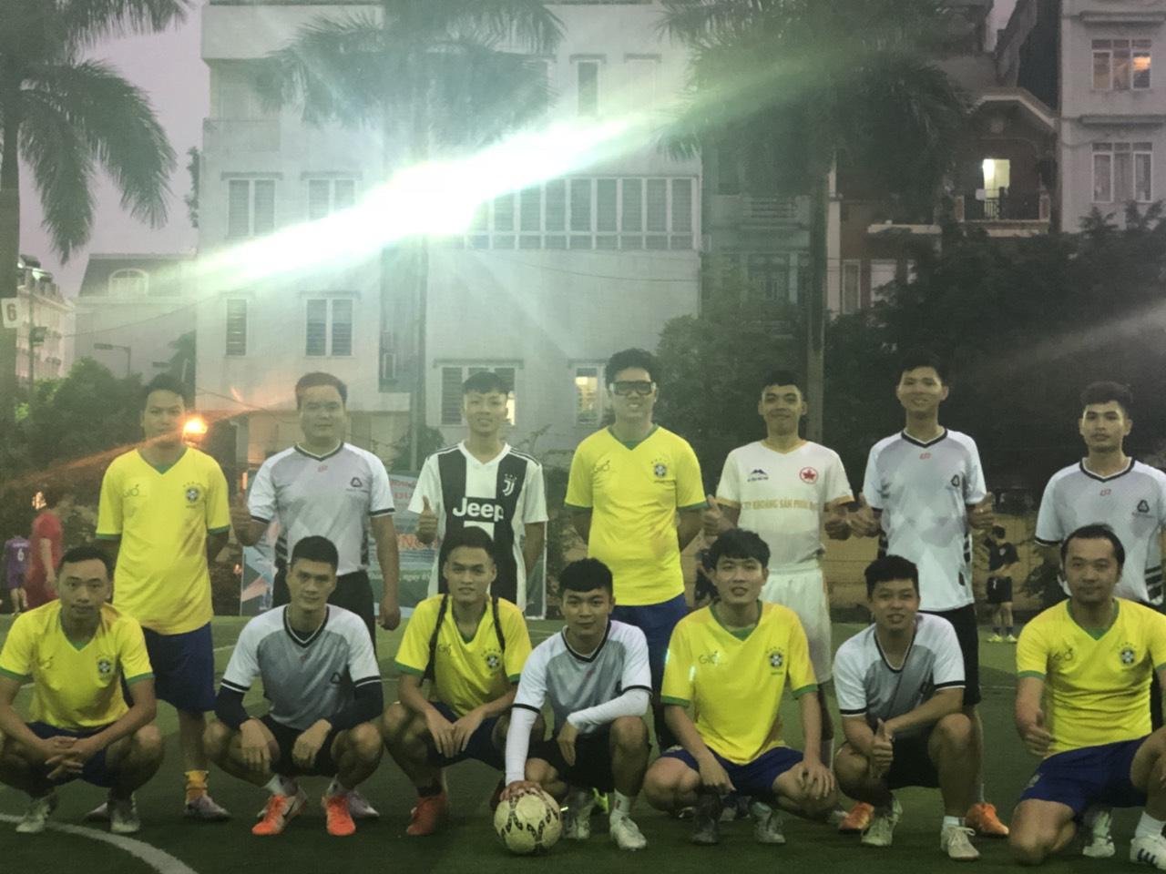 BÁCH CHIẾN giao lưu bóng đá với đối tác FLC